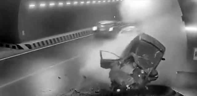 Tünelde feci kaza: Sürücü olay yerinde can verdi