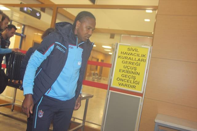 Trabzonspor Galatasaray maçı için İstanbul'a gitti