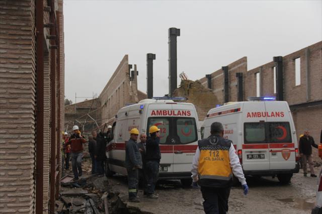 Müze inşaatında duvar çöktü: 7 yaralı