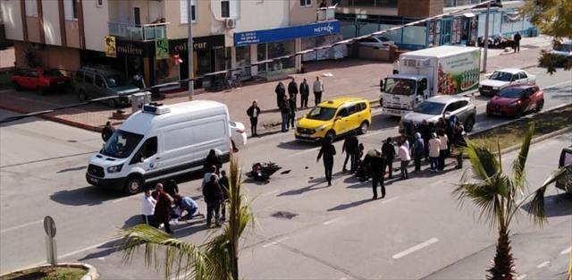 Antalya'da motosiklet kazası iki genci hayattan kopardı