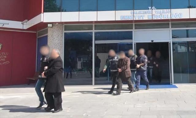 Balıkesir'de FETÖ operasyonu: 57 gözaltı