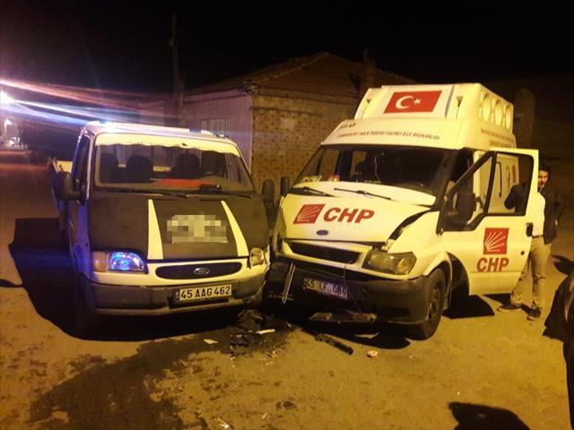 CHP'nin seçim aracı kaza yaptı: 7 yaralı