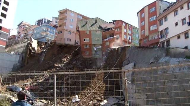 21 bina boşaltıldı, bir bina kontrollü şekilde yıkılacak