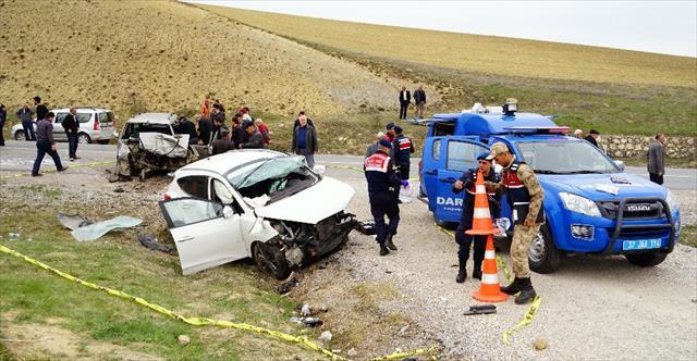 Nişanlısıyla tartışan sürücü felakete yol açtı: 2 ölü