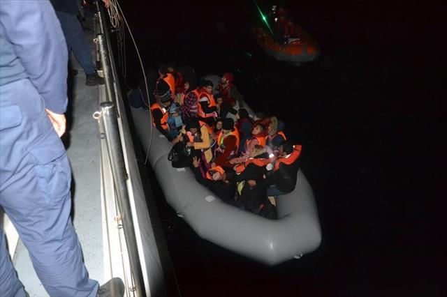 Ege'de düzensiz göçmen akını sürüyor