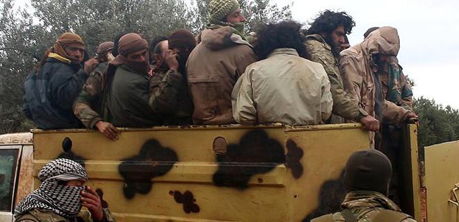 Suriyeli muhaliflerden İdlib'e ilerleyen DEAŞ'a ağır darbe...