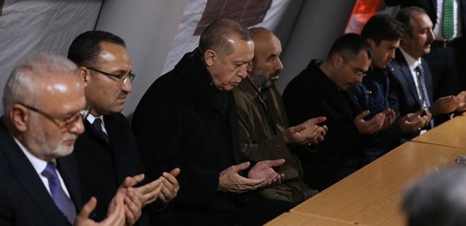 Cumhurbaşkanı Erdoğan'dan şehit ailesine ziyaret...
