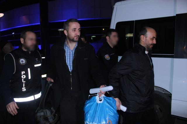 Gülen'i izlerken yakalanan doktorlar tutuklandı