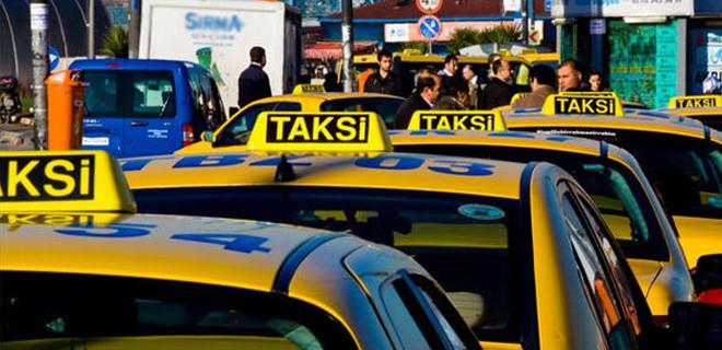 Yarım saatlik yol için İstanbul'u dolaştırdı