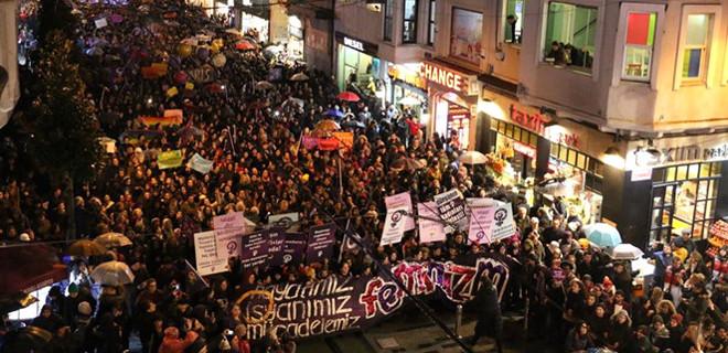 İstanbul'da büyük yürüyüş...