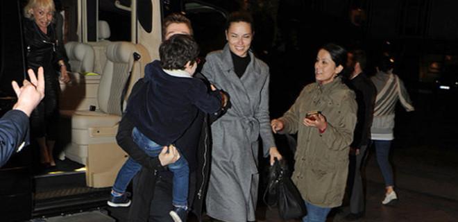 Adriana Lima aileye girdi!