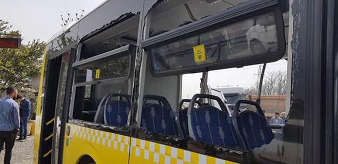 Son dakika... Hafriyat kamyonu İETT otobüsüne çarptı! Yaralılar var