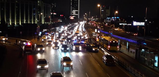 E-5'te zincirleme trafik kazası