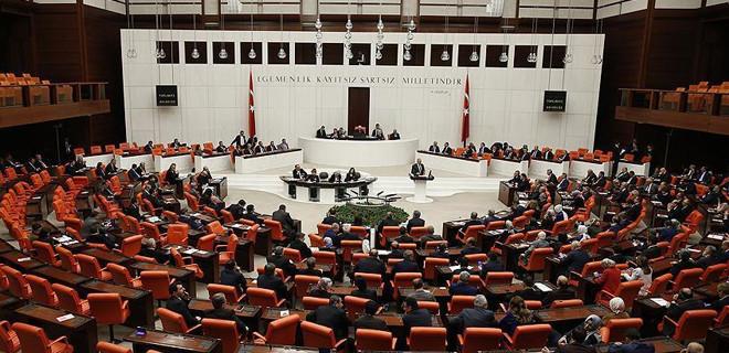 Uyum paketi Meclis'te kabul edildi!