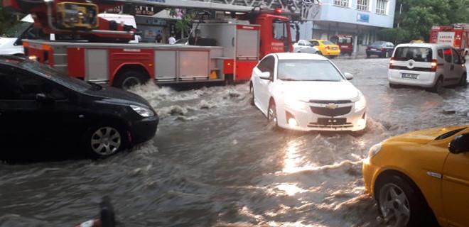 Ankara'da sağanak yağış!