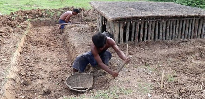 Yer altı evlerinin etrafına inşa ettiler!