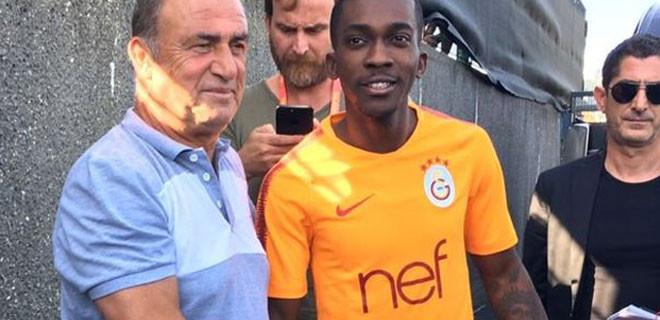 Galatasaray Henry Onyekuru'yu renklerine kattı
