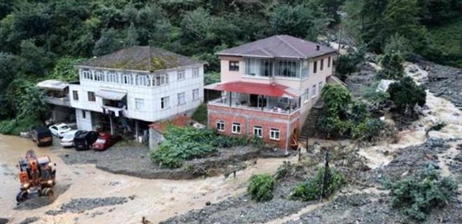 Son Dakika! Rize'de 1 ev çöktü, 22 ev boşaltıldı