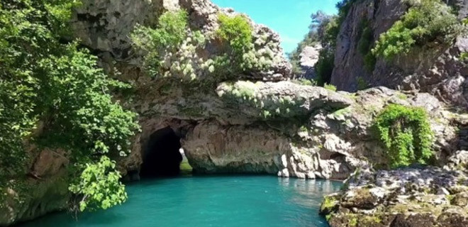 Mağarada kaybolan 3 kişinin cenazesine ulaşıldı..