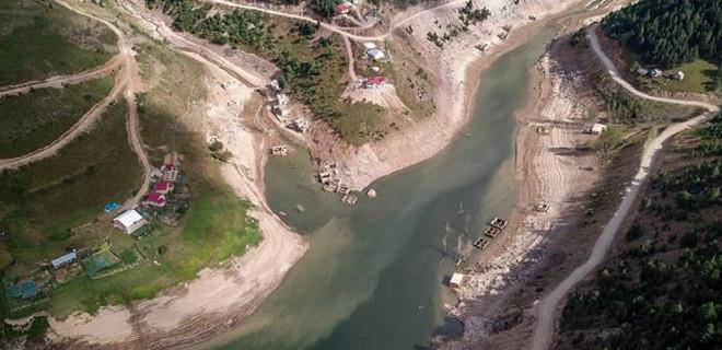 Baraj suları çekilince gün yüzüne çıktı!