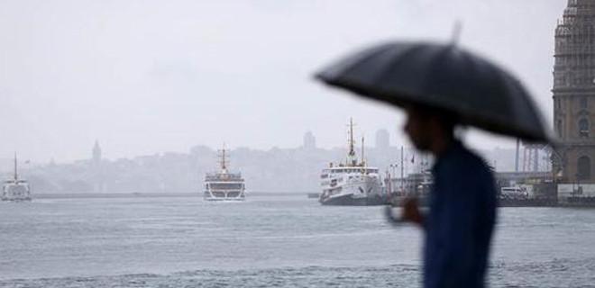 İstanbullular yağışa hazırlıksız yakalandı!