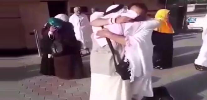 Suriyeli kardeşler 7 yıl sonra hacda karşılaştı