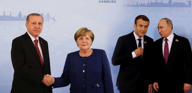 Merkel'den dörtlü zirve hakkında açıklama