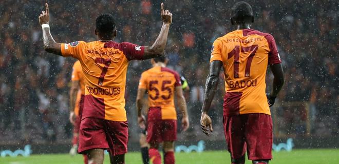 Galatasaray, sahasında konuk ettiği Kasımpaşa'yı 4-1 yendi