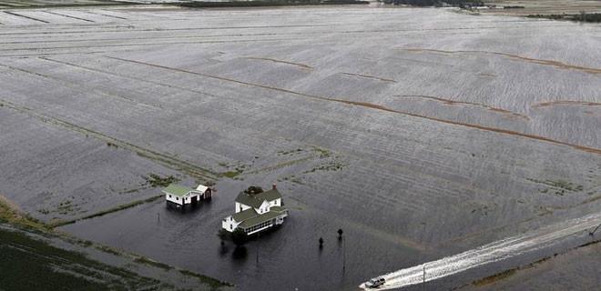 Trump Kuzey Carolina'yı felaket bölgesi ilan etti