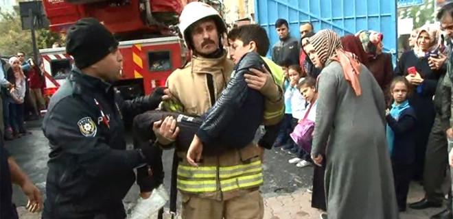 Son Dakika! İstanbul'da okulda yangın paniği!