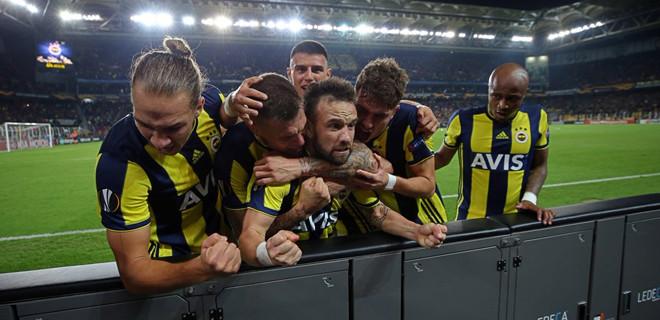 Fenerbahçe, Anderlecht'i 2 golle geçti!