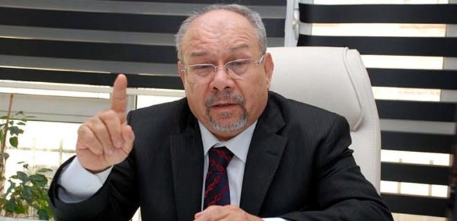 Ünlü doktor Salih Mertan İzmir'de intihar etti!