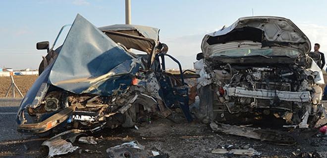 Korkunç kaza! 2 ölü, 3 yaralı