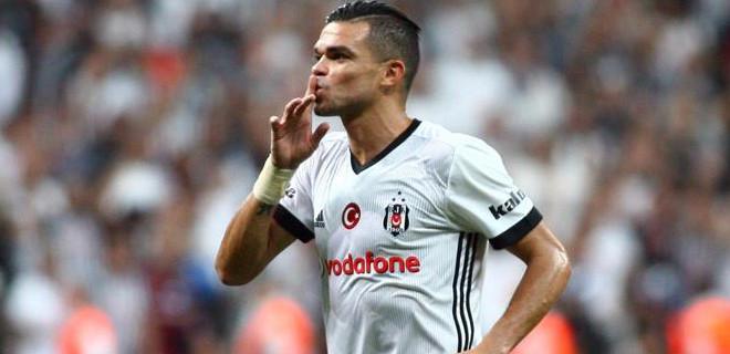 Beşiktaş'a bir darbe de Portekizli yıldızdan