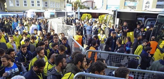 Fenerbahçe taraftarı Trabzon'da yok!
