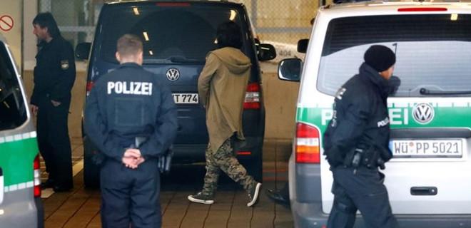 Alman polis teşkilatında ırkçı yapılanma!
