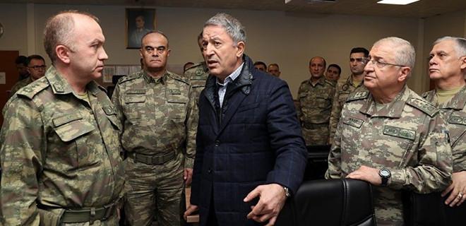 Bakan Akar: Yeri ve zamanı geldiğinde teröristler hendeklere gömülecek!