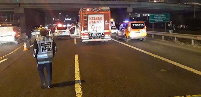 TEM'i kilitleyen kaza: Bir kişi hayatını kaybetti