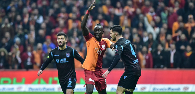 Trabzonspor'a zirve yolunda ağır darbe