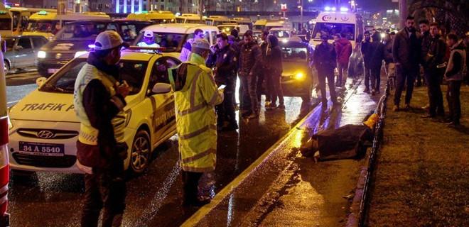 Yaya geçidinde minibüsün çarptığı Faslı kadın öldü