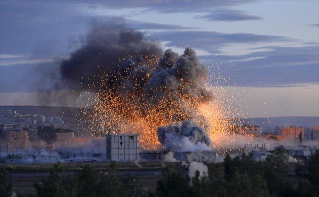IŞİD'den Kobani'de intihar saldırısı