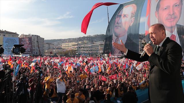 Cumhurbaşkanı Erdoğan: Türkiye'ye parmak sallayanlar önce açıp bir tarih kitabı okusun