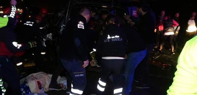 Düzce'de trafik kazası: 5 kişi öldü, 3 kişi yaralandı…