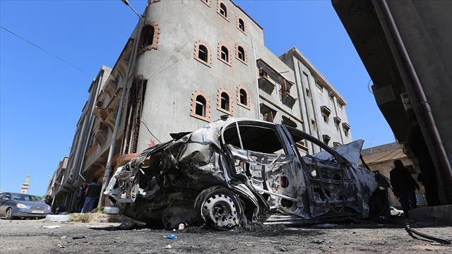AA Trablus'u hedef alan saldırının geride bıraktığı hasarı görüntüledi