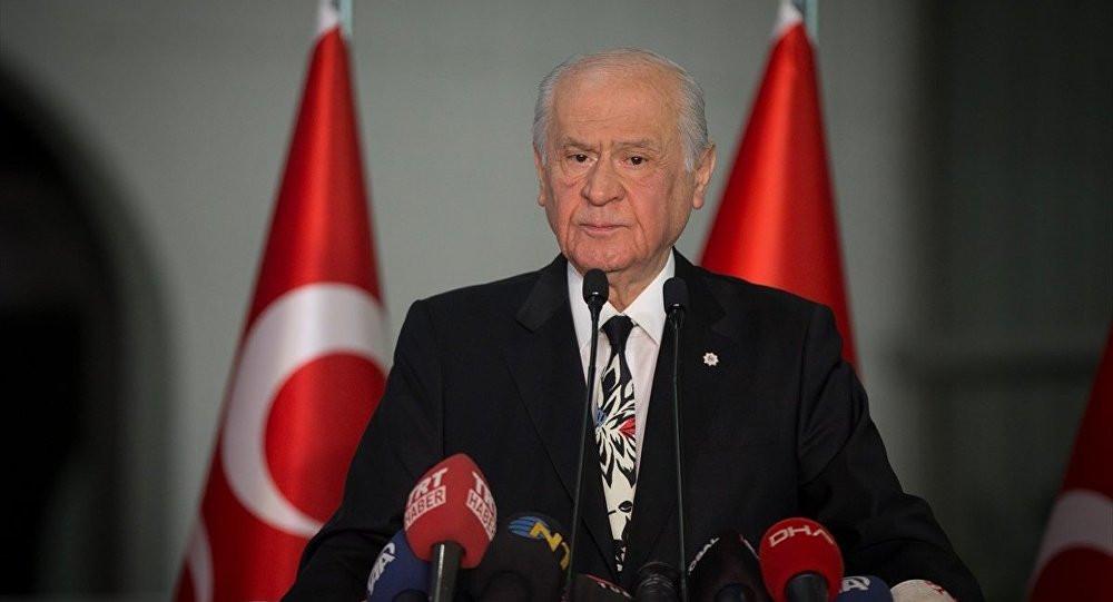 Terörist başı Demirtaş'a methiyeler düzüp...