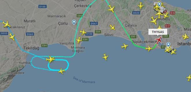 İstanbul Havalimanı'nda uçuşlara Kümülonimbus engeli