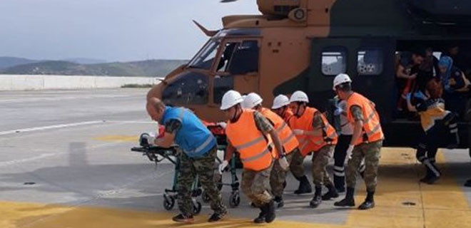 Askeri helikopter çocuk için havalandı!