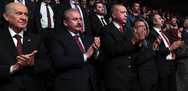 Cumhurbaşkanı Erdoğan ayakta alkışladı!