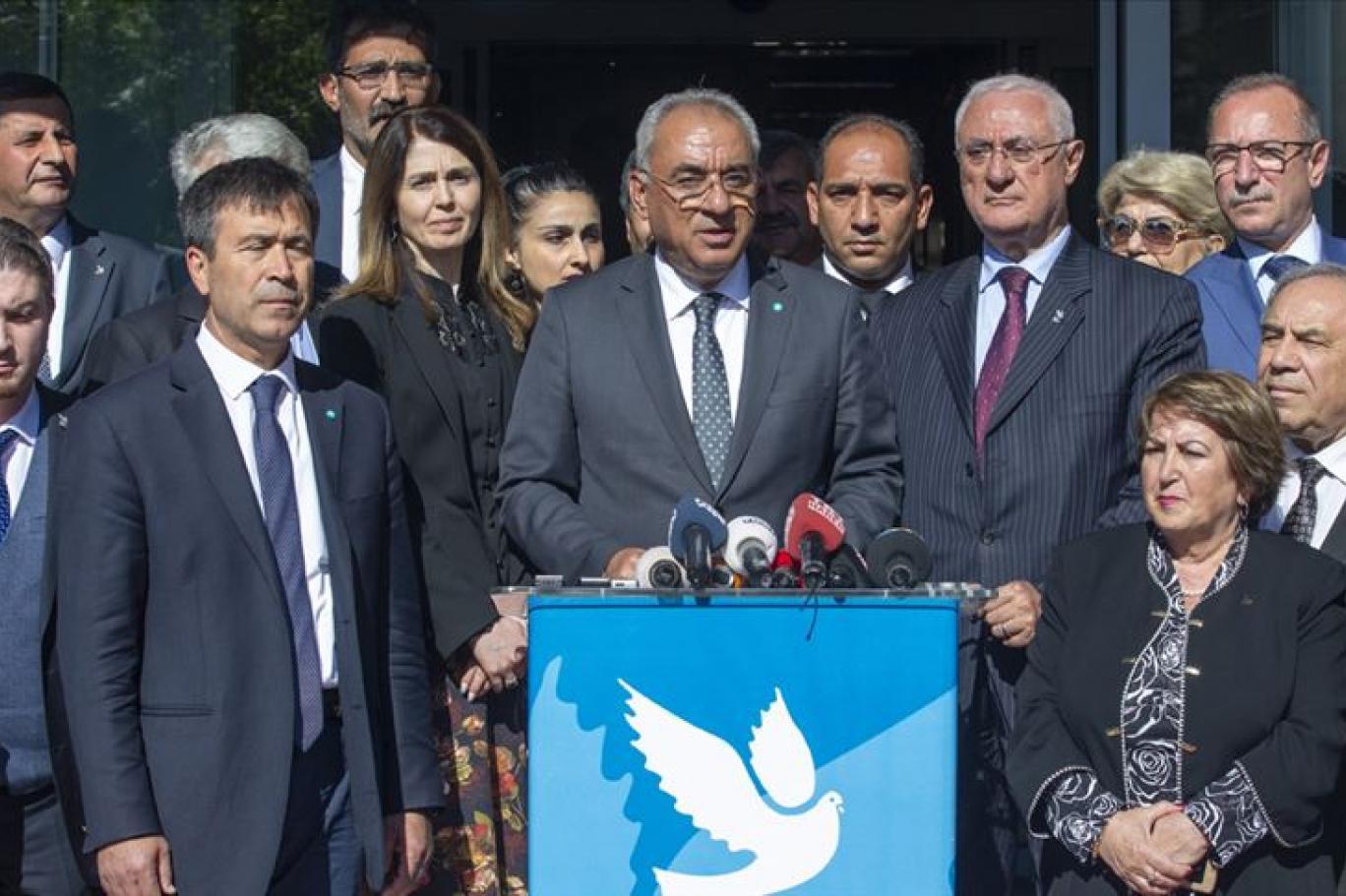 DSP'de bir İmamoğlu istifası daha