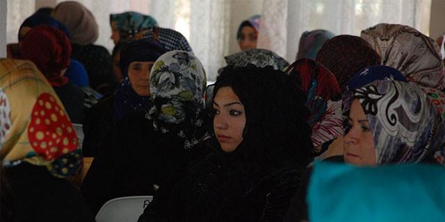 Türk erkeklerinden Suriyeli kadınlara tuzak!